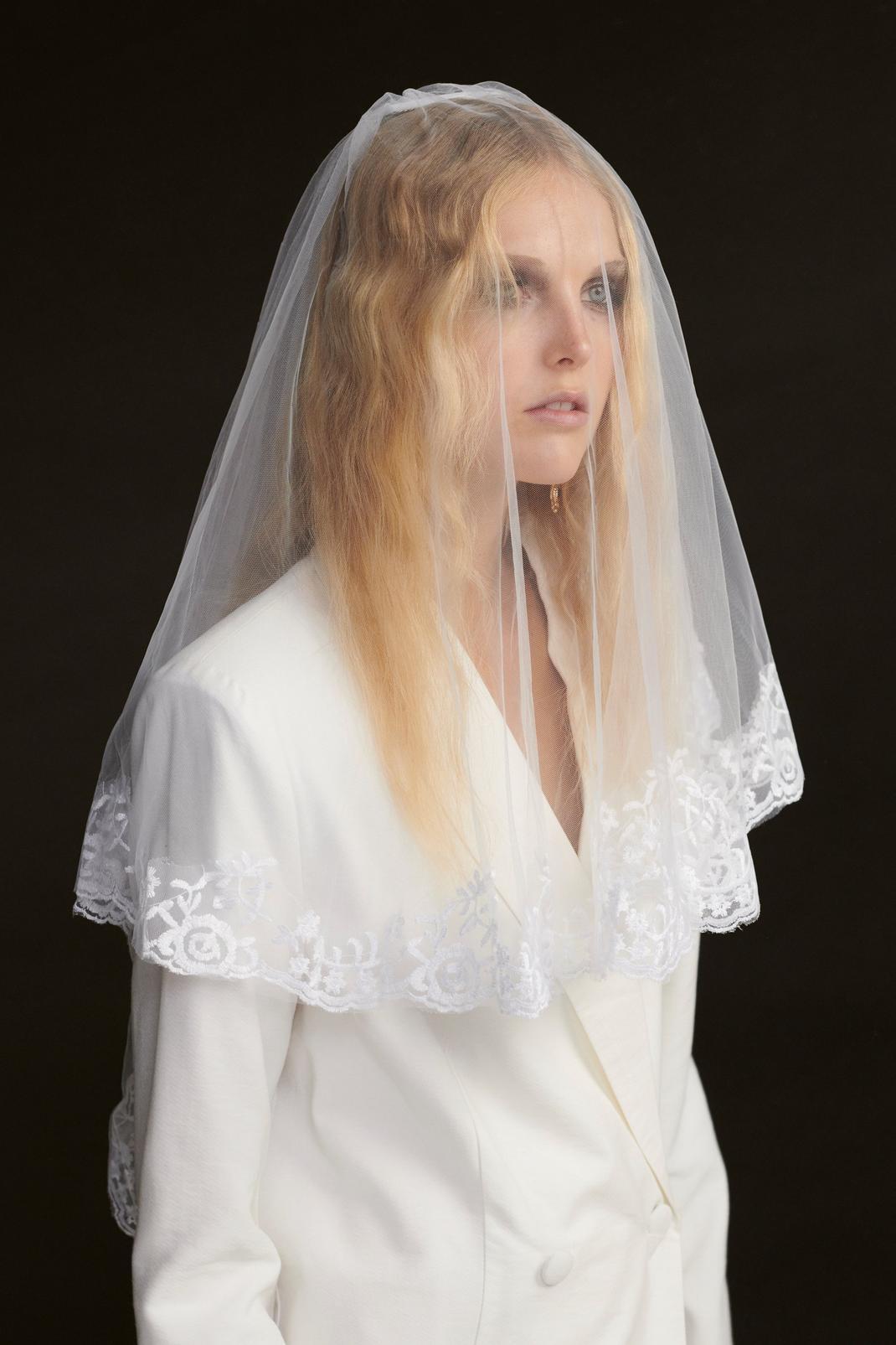 Lace Trim Mesh Bridal Veil
